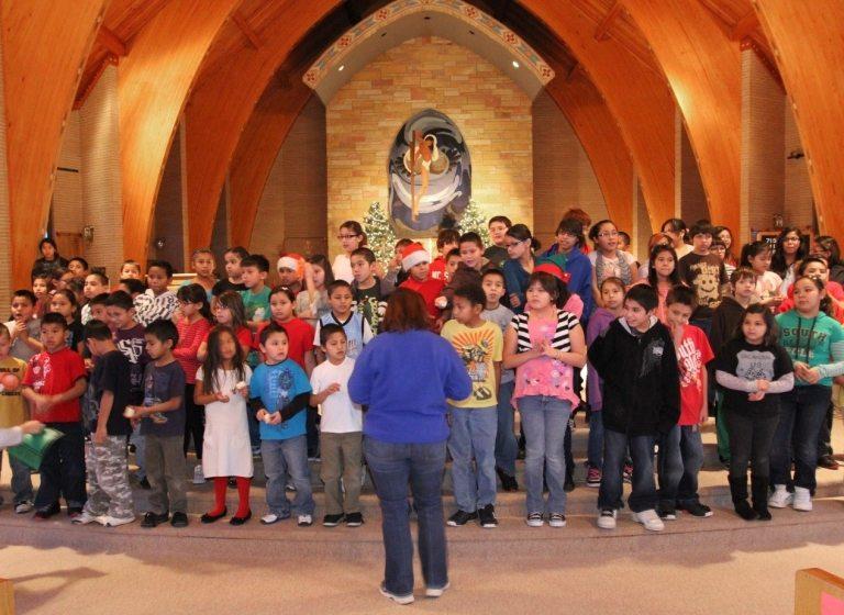 Programme und Hilfe für andere an der St. Josefs Indianerschule!